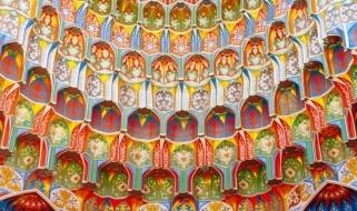 I mirabolanti decori interni della Moschea di Bukhara in Uzbekistan