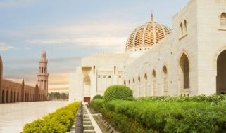 La Grande Mosche del Sultano Qaboos, tra le attrazioni imperdibili di Muscat
