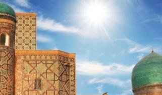L'inconfondibile profilo della Madrasa Kukeldash a Bukhara