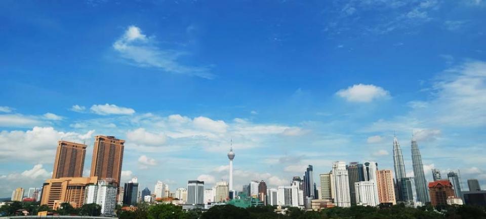 Tour Malesia - Skyline di Kuala Lumpur, con le Petronas Twin Towers sulla destra